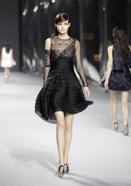 Dior+Haute+Couture+Presentation+Lyfu4udH5xql