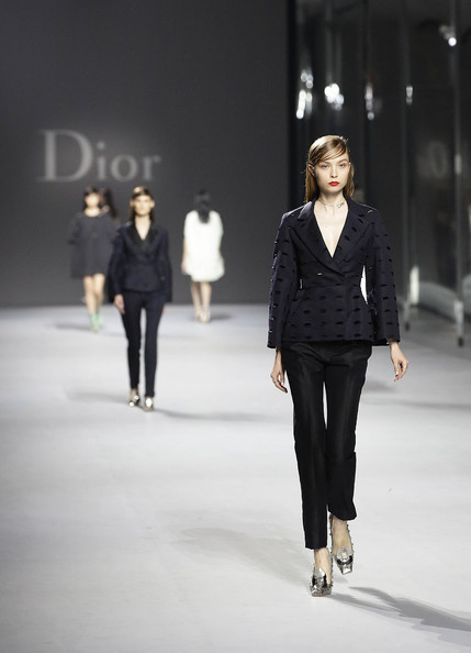 Dior+Haute+Couture+Presentation+rkipJJKxB02l